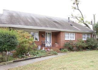 Pre Foreclosure in Newport News 23601 HEMLOCK RD - Property ID: 964718927