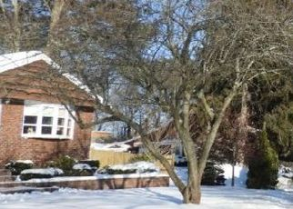 Pre Foreclosure in Saugus 01906 ESSEX ST - Property ID: 965036446