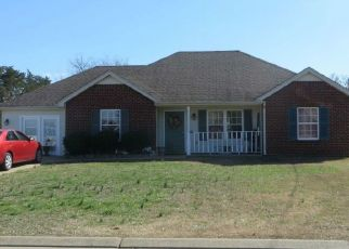 Pre Foreclosure in La Vergne 37086 GROVE MILL DR - Property ID: 965547113