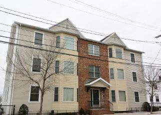 Pre Foreclosure in Revere 02151 REVERE ST - Property ID: 965715751