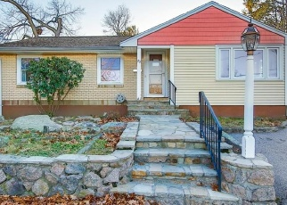 Pre Foreclosure in Quincy 02169 APEX ST - Property ID: 965802463