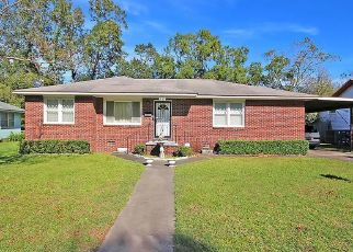 Pre Foreclosure in North Charleston 29405 HOTTINGER AVE - Property ID: 966129181