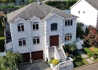 Pre Foreclosure in Staten Island 10301 NICOLE LOOP - Property ID: 967773344