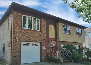 Pre Foreclosure in Staten Island 10305 FOCH AVE - Property ID: 967781220