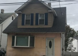 Pre Foreclosure in Staten Island 10314 WATCHOGUE RD - Property ID: 967932775