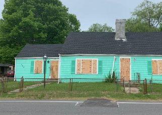 Pre Foreclosure in Westport 02790 GIFFORD RD - Property ID: 968175855