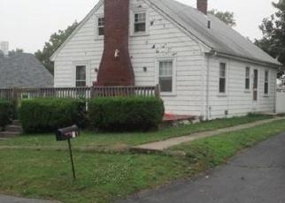 Pre Foreclosure in Fairhaven 02719 CALUMET RD - Property ID: 968291472