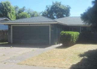 Pre Foreclosure in Eagle Point 97524 TEAKWOOD DR - Property ID: 970571110