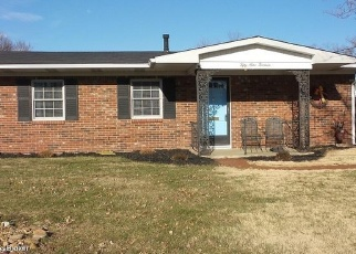 Pre Foreclosure in Louisville 40272 COUNT TURF DR - Property ID: 975227213