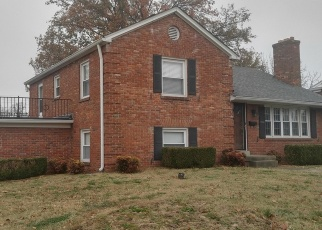 Pre Foreclosure in Louisville 40214 SOUTHERN PKWY - Property ID: 975291159