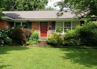 Pre Foreclosure in Louisville 40272 S DODGE LN - Property ID: 975363433