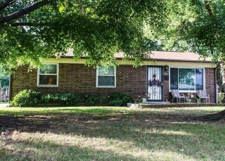 Pre Foreclosure in Louisville 40216 DETERMINE CT - Property ID: 975374380