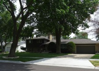 Pre Foreclosure in Elgin 60123 DIANE AVE - Property ID: 975865351