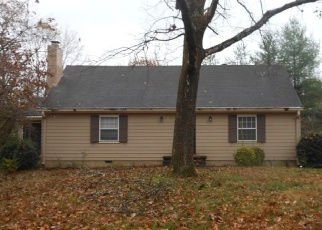 Pre Foreclosure in Chattanooga 37412 S RUGBY PL - Property ID: 978105592