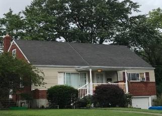 Pre Foreclosure in Cincinnati 45248 BELLEHAVEN CT - Property ID: 978113472