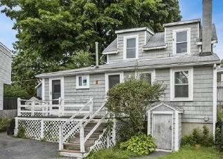 Pre Foreclosure in Beverly 01915 1/2 HOBART AVE - Property ID: 978965780
