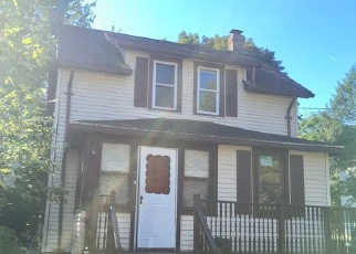 Pre Foreclosure in Poughkeepsie 12601 LAKE ST - Property ID: 979493979