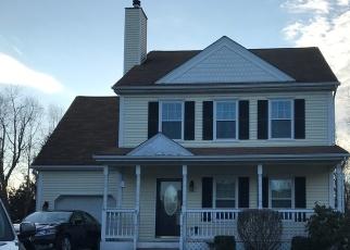 Pre Foreclosure in Poughquag 12570 FERRIS GLN - Property ID: 979579371