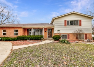 Pre Foreclosure in Addison 60101 N COUNTRY CLUB DR - Property ID: 979824191