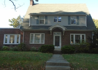 Pre Foreclosure in Reading 19610 WAYNE AVE - Property ID: 983473397