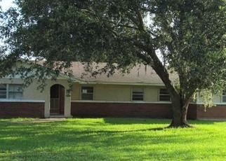 Pre Foreclosure in Auburndale 33823 HALF ACRE RD - Property ID: 984051526