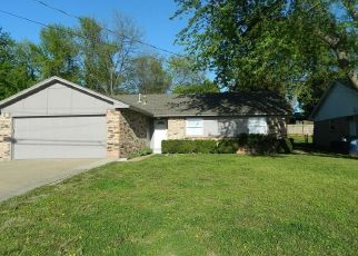Pre Foreclosure in Purcell 73080 N 9TH AVE - Property ID: 985306766