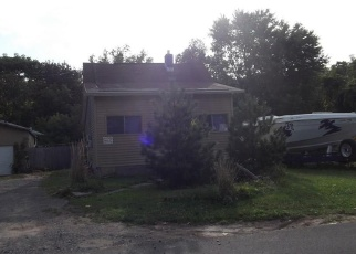 Pre Foreclosure in Nedrow 13120 SMITH AVE - Property ID: 985315519