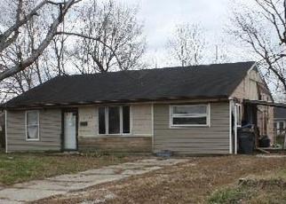 Pre Foreclosure in Louisville 40272 TENNIS BLVD - Property ID: 986129264