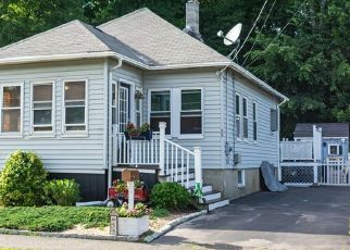 Pre Foreclosure in Lynn 01904 RANGE AVE - Property ID: 988084838