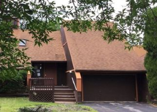 Pre Foreclosure in East Amherst 14051 BROCKMOORE DR - Property ID: 988163667
