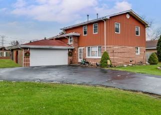 Pre Foreclosure in Willow Springs 60480 84TH PL - Property ID: 988345870
