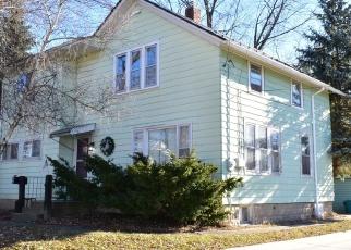Pre Foreclosure in Waukesha 53186 W WABASH AVE - Property ID: 988503980
