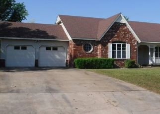 Pre Foreclosure in Claremore 74017 W BERWICK - Property ID: 989468386