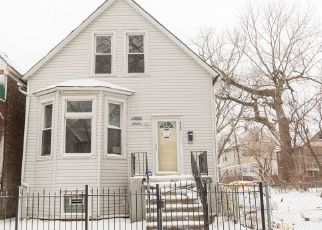 Pre Foreclosure in Chicago 60617 S ESCANABA AVE - Property ID: 992684432