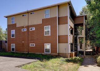Pre Foreclosure in Portland 97266 SE CLINTON ST - Property ID: 992754958