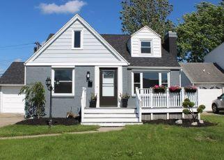 Pre Foreclosure in Tonawanda 14150 CORNWALL AVE - Property ID: 992899471