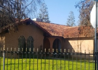 Pre Foreclosure in Parlier 93648 S RENE LOPEZ ST - Property ID: 995940777
