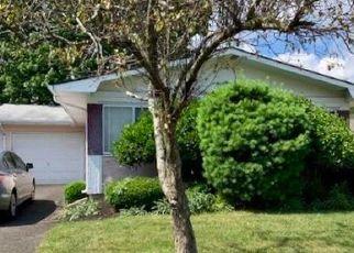 Pre Foreclosure in Brick 08724 CLAY CIR - Property ID: 997258183