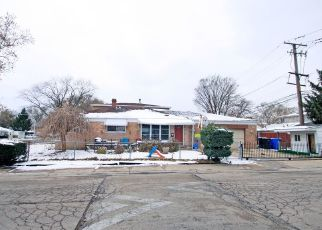 Pre Foreclosure in Chicago 60652 W 83RD ST - Property ID: 998199396