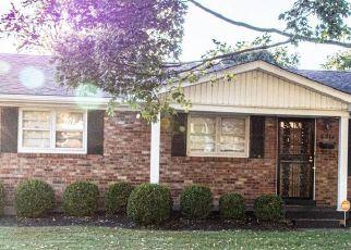 Pre Foreclosure in Louisville 40228 FERNHAVEN RD - Property ID: 998766125