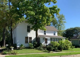 Pre Foreclosure in Oconomowoc 53066 WESTOVER ST - Property ID: 998943512