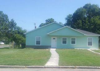 Sheriff Sale in San Antonio 78221 E HUTCHINS PL - Property ID: 70036895358