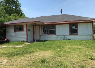 Sheriff Sale in Houston 77033 TARAWA RD - Property ID: 70104906597