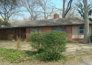 Sheriff Sale in Chesapeake 23325 CHESTNUT AVE - Property ID: 70141950882