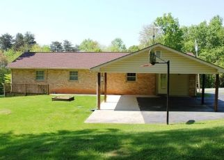 Sheriff Sale in Rocky Mount 24151 ROLLING HILL DR - Property ID: 70144461785