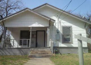 Sheriff Sale in Dallas 75216 E WACO AVE - Property ID: 70144677254