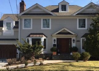 Sheriff Sale in Tenafly 07670 WOODLAND PARK DR - Property ID: 70159849109