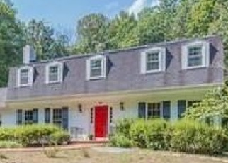 Sheriff Sale in Fairfax Station 22039 WOLF DEN RD - Property ID: 70161465684