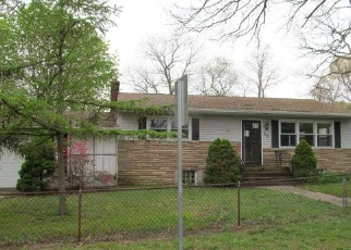 Sheriff Sale in Centereach 11720 WOLFHOLLOW RD - Property ID: 70161683797