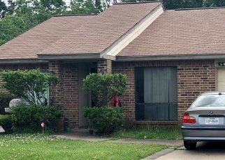 Sheriff Sale in Houston 77015 CASTLE GLEN DR - Property ID: 70174082392